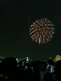 東京湾花火大会を目の前で見る