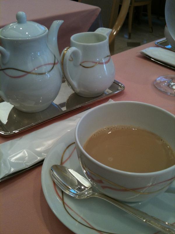 和光ティーサロンでお茶タイム