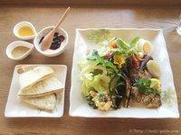 採れたて野菜のサラダランチで乙女の気分/カフェ&レストラン スピカ