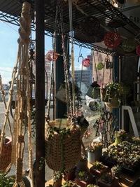 12月7日の記事MoMoTaRoさんの麻の編みかご入荷しました♪