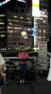 新宿駅前で・・・