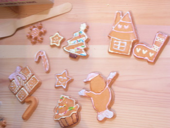 お絵かきクッキーのクリスマスリースの様子(*^_^*)