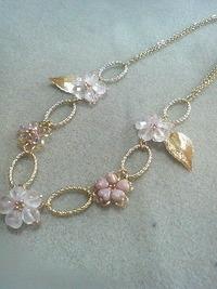 桜のネックレス
