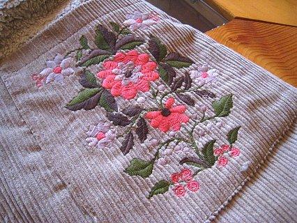 コーデュロイ刺繍コート