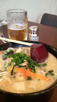 チャンポン麺と生ビールでほろ酔いの15時