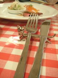 洋食屋さんのナポリタンを食べる