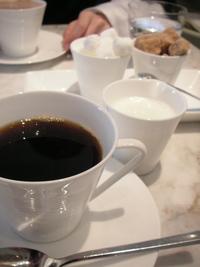 ミキモトラウンジでカフェオレ(銀座)