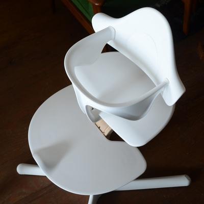 子供用の椅子も取り扱っています。