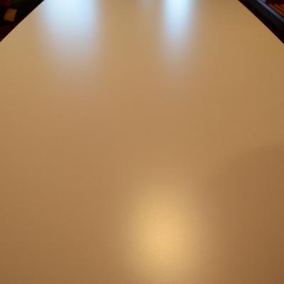 Kチェアで2人並んで食事をするなら。