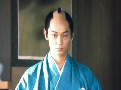 会津藩主、松平容保を演じているのは綾野 剛さん