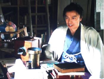 川崎尚之助を演じているのは長谷川博己さん