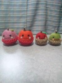 うさぎちゃんとりんごちゃんピンクッション